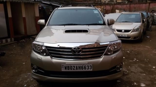 Toyota Fortuner 3.0 AT 4X2 2015