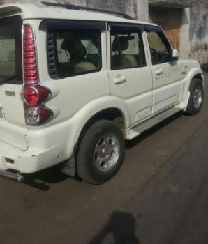 Mahindra Scorpio DX 2.6 TURBO 8 STR 2010