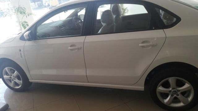 Skoda Rapid 1.6 TDI MT ACTIVE 2014
