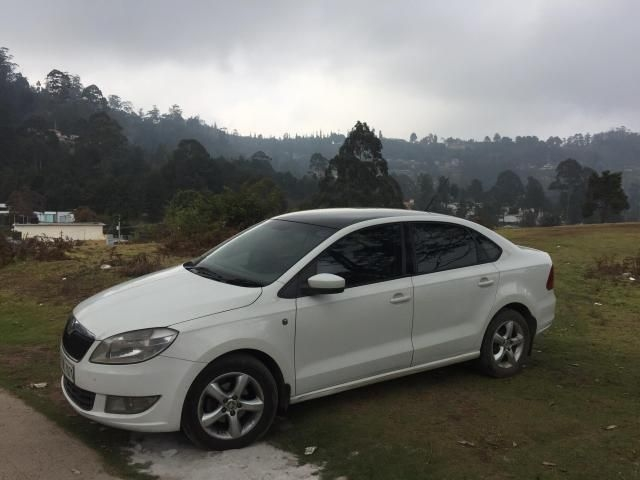 Skoda Rapid 1.6 TDI MT AMBITION PLUS 2011