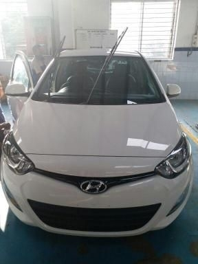 Hyundai i20 Sportz (AT) 1.4 2014