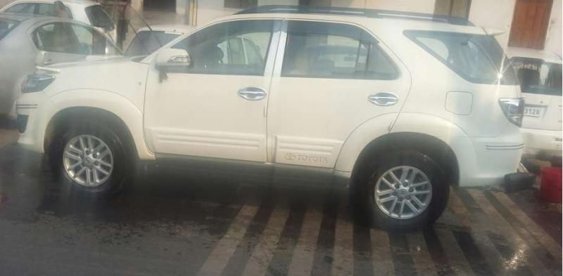 Toyota Fortuner 3.0 4X2 AT 2014