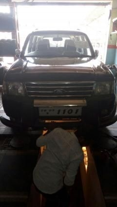 Ford Endeavour XLT 4X2 2004
