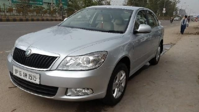 Skoda Laura Ambition 2.0 TDI CR MT 2012