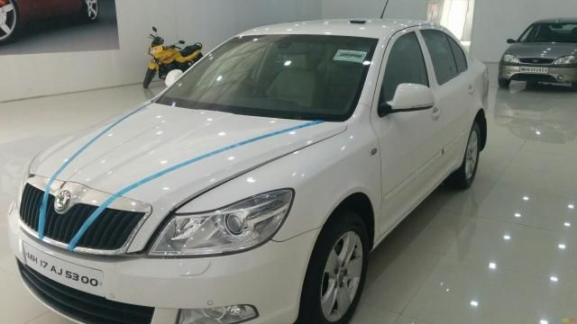 Skoda Laura L&K 2.0 TDI AT 2011