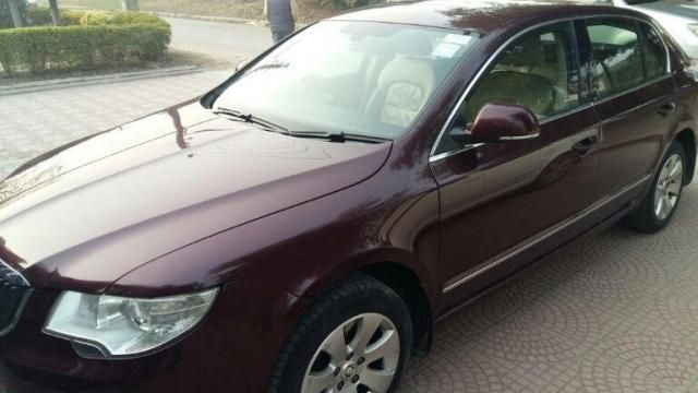 Skoda Superb ELEGANCE 2.0 TDI CR AT 2010