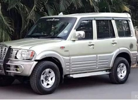 Mahindra Scorpio 2.6 TURBO 9 STR 2006