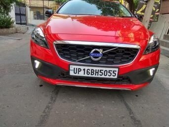 Volvo V40 Cross Country T4 Momentum 2016