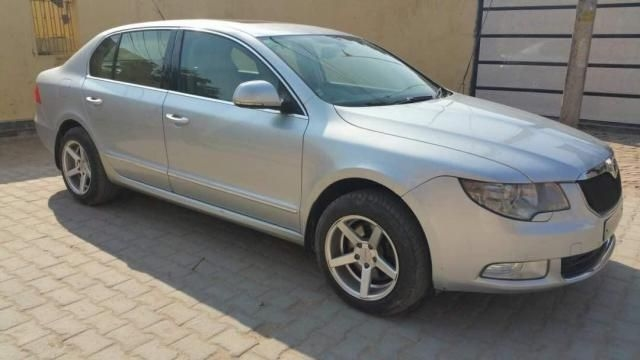 SKODA SUPERB Ambition 2.0 TDI CR AT 2010