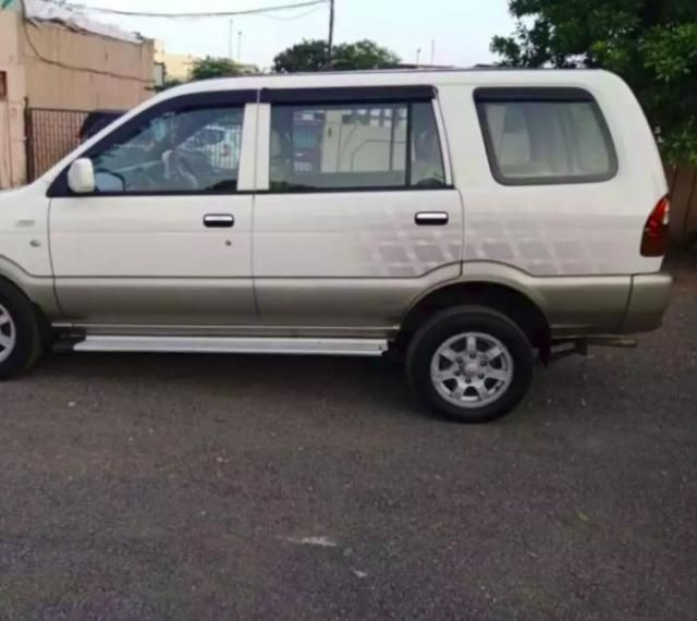 127 Used White Color Chevrolet Tavera Car For Sale Droom