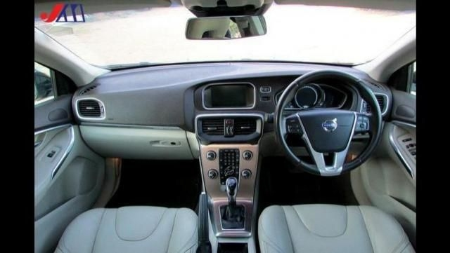 Volvo V40 Cross Country D3 2014