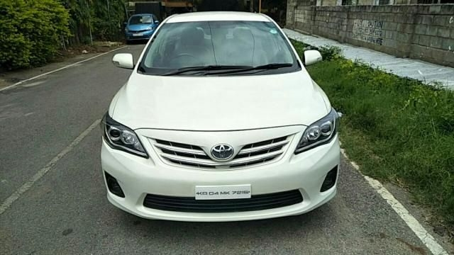 Toyota Corolla Altis 1.8 VL AT 2012