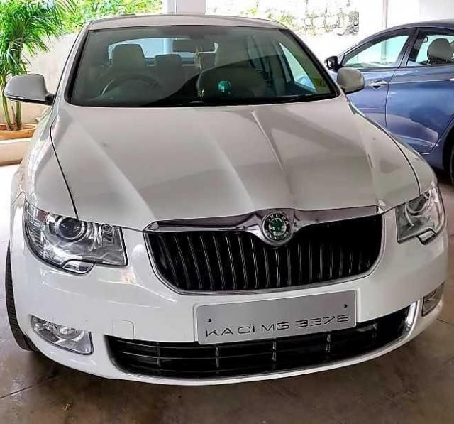Skoda Superb ELEGANCE 2.0 TDI CR AT 2011