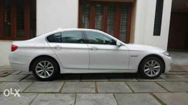 BMW 5 Series 520D LUXURY LINE 2011