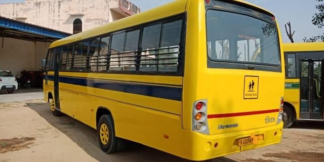 Tata LP 909 42 SEATER 4920 2011