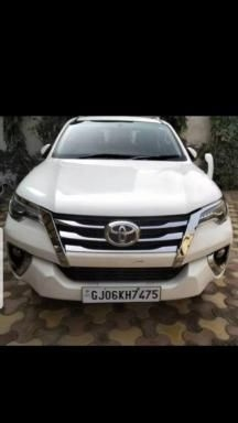 Toyota+Fortuner+2.8+4x4+AT+2017
