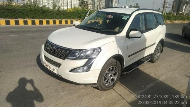 Mahindra XUV500 W6 AT 2017