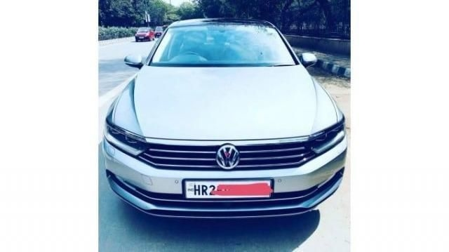 Volkswagen Passat Highline 2.0 TDI AT 2018