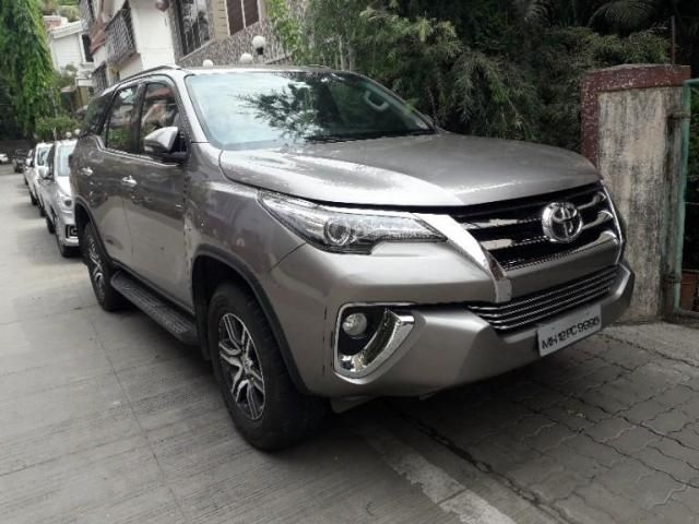 Toyota+Fortuner+2.8+4x2+AT+2017
