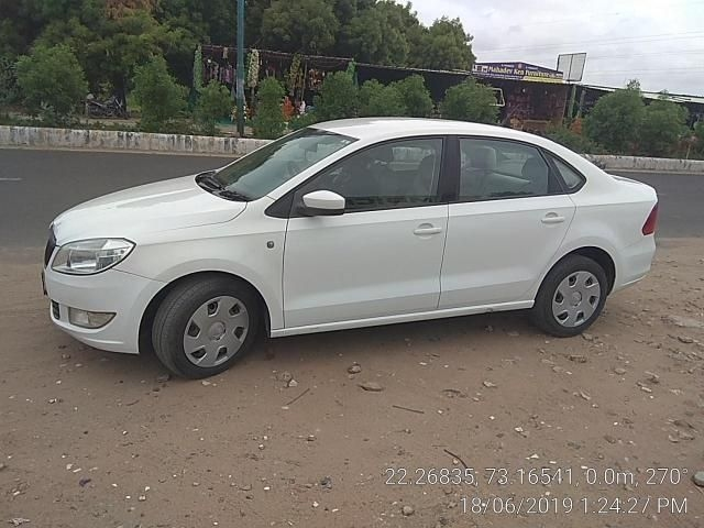 Skoda Rapid Ambition Plus 1.5 TDI CR 2015