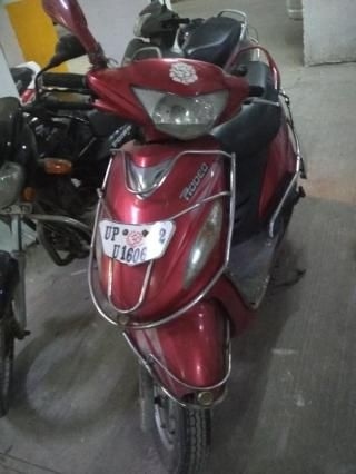 9 Used Red Color Mahindra Rodeo Scooter for Sale | Droom