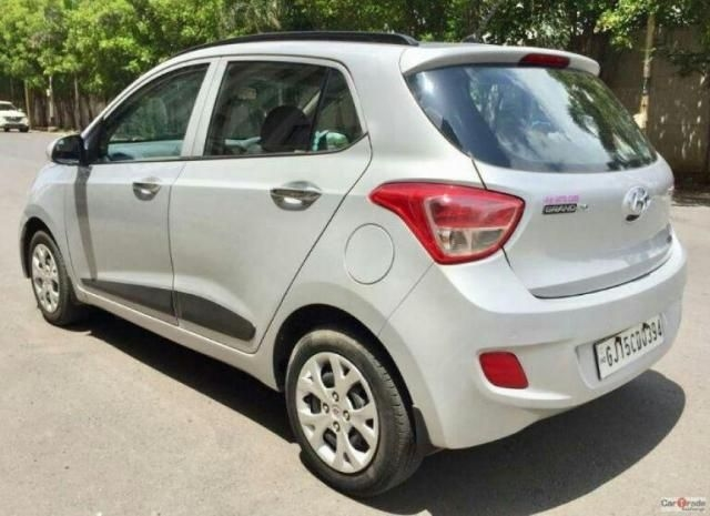 Hyundai Grand i10 1.2 Sportz (O) AT 2014