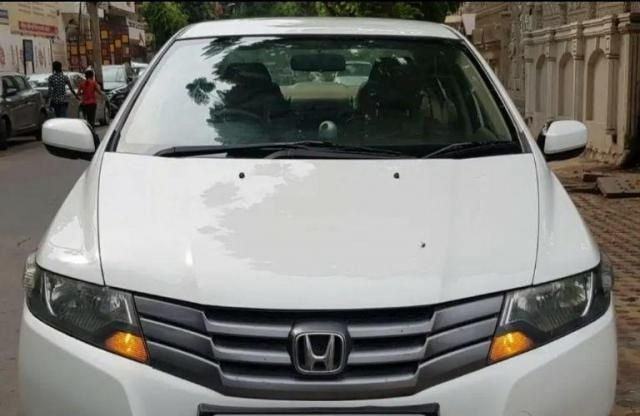 Honda City 1.5 V AT SUN ROOF 2011