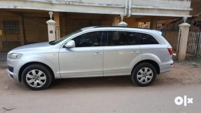 Audi Q7 35 TDI Premium plus with Sunroof  2009