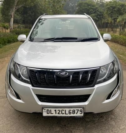 Mahindra XUV500 W10 AT 2017
